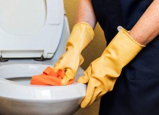 Jak ochronić skórę przed detergentami podczas sprzątania?